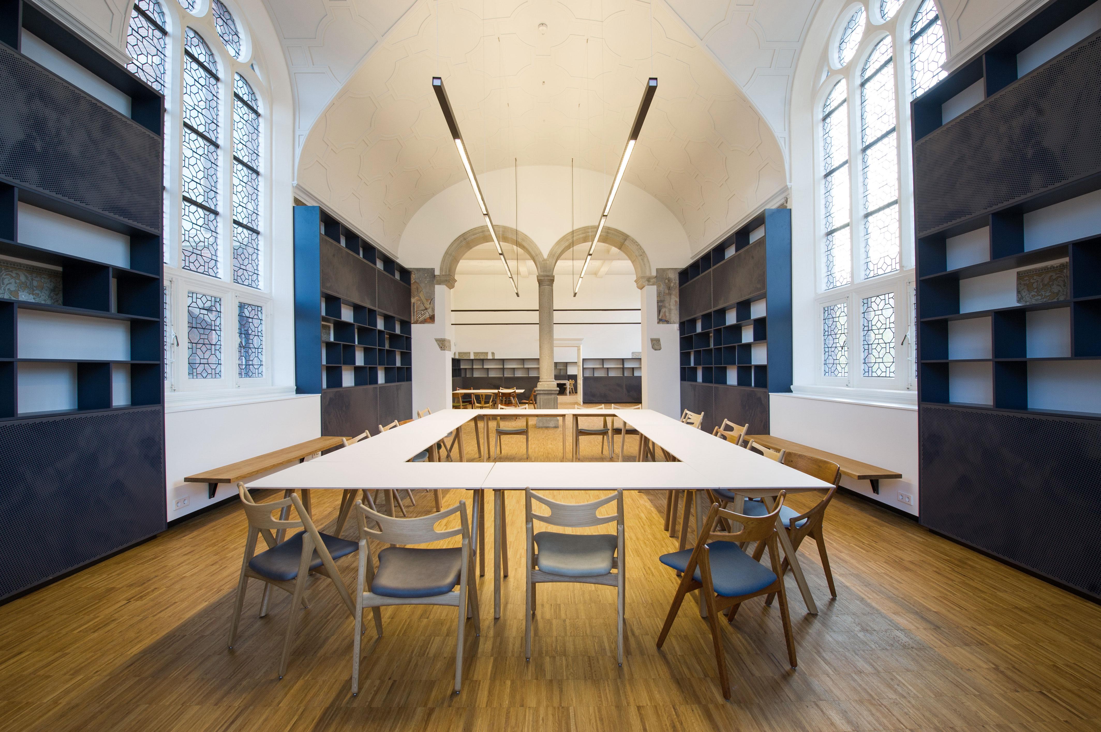 interieur leeszaal de oude bibliotheek, KREUK architectuur, architect Marjolein Kreuk Delft i.s.m. BK. en Stephanie Gieles