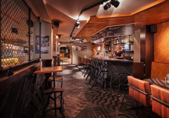 STECK podium•club•bar II